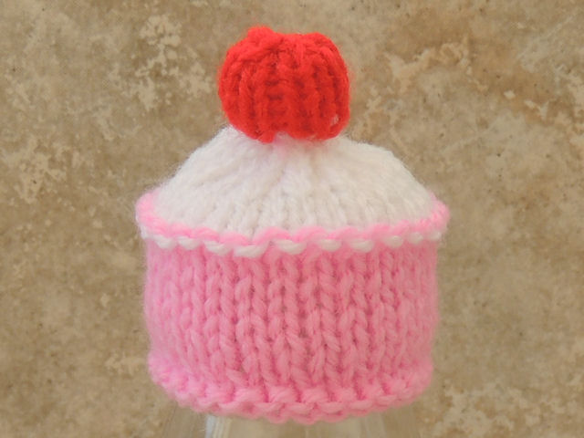 2399d407d Innocent Smoothies Big Knit Hats - Cup Cake Pattern
