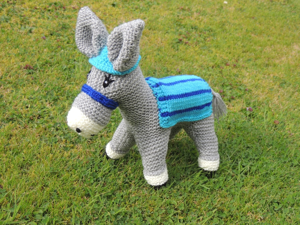 Your donkey will look like this before sewing up